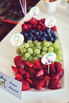 Sweet bar Circus Birthday, Birthday Parties, Sweet Bar, Raspberry, Fruit, Breakfast, Food, Anniversary Parties, Morning Coffee
