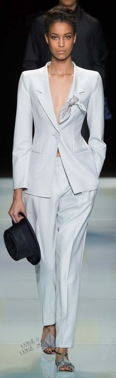 ICE WHITE SUIT + PATTERNED Black/White SHOES! (For a Giorgio Armani Inspired Outfit.)