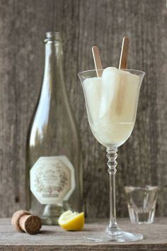 Champagne Popsicles... Wonder if sparkling grape juice would work???