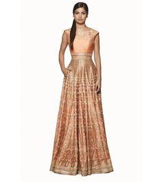 Peach Resham Work Raw Silk Crop Top And Lehenga #bandbaajaa.com #weddinglehengas #bridallehangas #shaadilehengas #designerlehengas #lehengacholi #weddingdresses #weddingshopping
