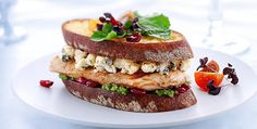 Food So Good Mall: Grilled Cheese with Gorgonzola, Parmesan Chicken Breast