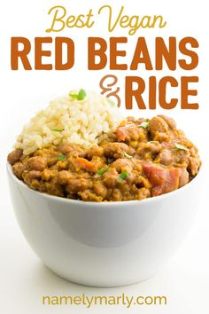 This Vegan Red Beans and Rice recipe could be described as a hearty comfort food. Serve this vegetarian red beans and rice with with cornbread and topped with a bit of sliced peppers. You can make those peppers jalapeños if you like some kick. Rice Recipes Vegan, Vegan Dinner Recipes, Vegan Foods, Vegan Dinners, Whole Food Recipes, Vegetarian Recipes, Healthy Recipes, Red Beans And Rice Recipe Vegetarian, Vegan Rice Dishes