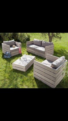 Pallet Deck Furniture   For the Home / Pallet patio furniture