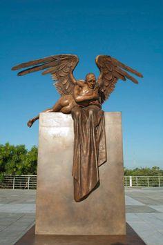 Escultura en el Espacio Cultural Metropolitano.  #Tampico #Madero #Altamira #Tamaulipas #Mexico #Playa #Arte #Cultura    ========================   Rolando De La Garza Kohrs http://About.Me/Rogako ========================