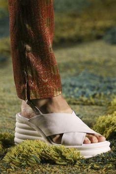 Dries Van Noten Spring/Summer 2015 Ready-To-Wear Details | British Vogue