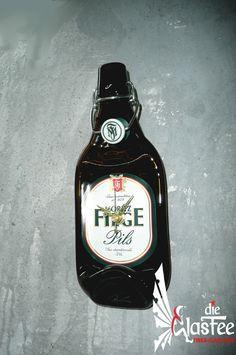 Deko Wanduhr Bier Flasche *Moritz Fiege Pils*  Schmelz-Flaschenuhr Unikat  neu