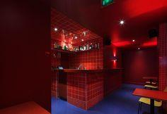 Un spot pour les indécises : L'Isolé bar karaoké du mardi au samedi de 21h à 2h à partir du 16 septembre. 14 Rue Frochot, Paris 9ème