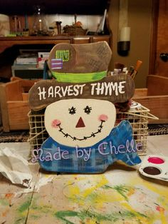 Scarecrow shelf sitter