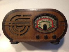 ART DECO WOOD 1930s SHORTWAVE TABLE RADIO POLICE AND AIRPLANE