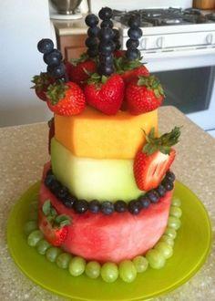 Newest Free fruit cake ideas Style - yummy cake recipes Healthy Birthday Cakes, Healthy Cake, Cool Birthday Cakes, Healthy Fruits, Fruit Birthday Cake, Healthy Birthday Cake Alternatives, Happy Birthday, Birthday Week, Healthy Food