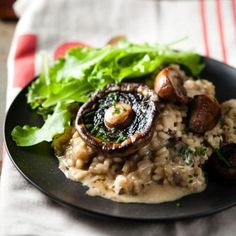 At last, I have discovered that the secret of a really smooth risotto lies in adding a creamy sauce to the cooking stock. If you feel rich you can garnish with extra whole mushrooms. Mushroom Risotto, Healthy Family Meals, Healthy Snacks, Healthy Eating, Creamy Mushrooms, Stuffed Mushrooms, Stuffed Peppers, Brown Mushroom