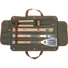 Size: 1 x BBQ Tong, 1 x Pig Bristle Brush, 1 x BBQ Fork & 1 x Spatula with Bottle Opener. Barbeque pig fur brush with ash wood handle. Stainless steel grill tongs with ash wood handles. Stainless steel spatula with bottle opener and ash wood handle. Set Barbecue, Bbq Grill, Barbecue Garden, Design Shop, Bbq Tool Set, Esschert Design, Dot And Bo, Wooden Handles, Tool Kit