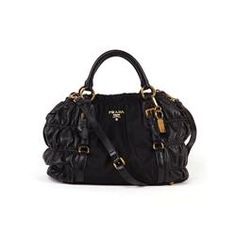 Pretty in Prada Prada Handbags, Prada Bag, Replica Handbags, Luxury Handbags, Purses And Handbags, Designer Handbags, Prada Outlet, Chanel Online, Best Purses