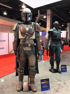 """The booth at has the costumes for The Mandalorian (Pedro Pascal) and Cara Dune (Gina Carano) on display! Mandalorian Costume, Mandalorian Armor, Big Buck Hunter Arcade, Game Costumes, Costume Ideas, Cosplay Ideas, Hunter Name, Cara Dune, Pedro Pascal"