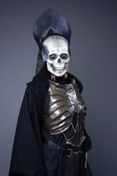 Alexander McQueen Authentique Italie Oeil maléfique Crâne Chaîne Pearl Dangle Broche Pin