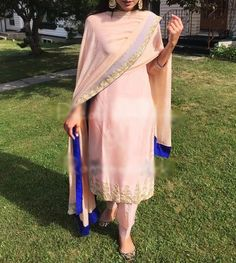 Contrasting blue given on the edges of the dupatta. Latest design in plazzo suit Dress Indian Style, Indian Dresses, Indian Outfits, Ethnic Outfits, Embroidery Suits Punjabi, Embroidery Suits Design, Designer Party Wear Dresses, Indian Designer Outfits, Punjabi Fashion
