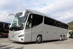 For-the-UK-the-Irizar-i8-Integral-will-be-offered-at-13.22m-and-14.07m.-All-versions-will-be-3.98m-high-and-powered-by-the-DAF-MX13-engine.jpg (1200×800)