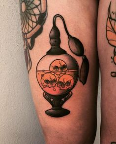Halloween Tattoo designs considered as attractive tattoo. Ink your self with Festive tattoo Pumpkin Tattoos and many more on halloween day. Trendy Tattoos, New Tattoos, Body Art Tattoos, Tattoo Drawings, Tatoos, Mononoke, Spooky Tattoos, Cute Halloween Tattoos, Halloween Tattoo Flash