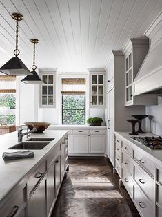 Luxury Kitchen French provincial style kitchen with timber panelled ceiling and oak parquet floors in a herringbone pattern. Luxury Kitchen Design, Best Kitchen Designs, Luxury Kitchens, Interior Design Kitchen, Rustic Kitchen, New Kitchen, Kitchen Decor, Kitchen Ideas, French Kitchen