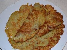 Tradičné zemiakové placky Slovak Recipes, Czech Recipes, Russian Recipes, Slovakian Food, Indian Snacks, Sweet And Salty, Potato Recipes, Healthy Snacks, Food And Drink