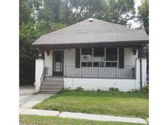 983 Dame Street - A cute well cared for two bedroom bungalow for lease for only $1000 INCLUDING heat, hydro and water! CALL RON HEUVING , Sales Representative 519.673.3390