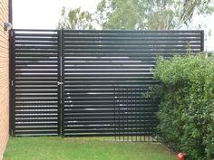 Browse Inspirational Photos for Your Home Front Gate Design, Back Garden Design, Fence Design, Door Design, Fence Doors, Fence Gate, Wooden Gate Designs, Backyard Renovations, Glass Fence