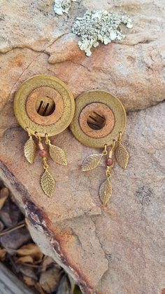 Retro Clip On earrings~Circles with Leaf Dangles~Brass & Copper Earrings~Large Vintage Clipons~by JewelsandMetals. by JewelsandMetals on Etsy