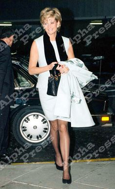 11/12/95 LONDON..PRINCESS DIANA LEAVING FOR NEW YORK FROM HEATHROW AIRPORT.