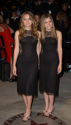2002, Vanity Fair Oscar Party - Then and Now: Mary-Kate and Ashley Olsen's Style Transformation - Photos