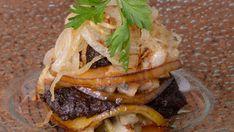 Milhojas de manzana y morcilla - Julius - Julio Bienert - Receta - Canal Cocina Hamburger, Brunch, Appetizers, Beef, Ethnic Recipes, Food, Tortillas, Queso, Gastronomia