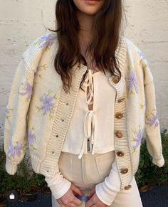 Du och jag en lördag i juni Trendy Outfits, Cute Outfits, Fashion Outfits, 70s Fashion, High Fashion, Moda Vintage, Pullover, Mode Inspiration, Aesthetic Clothes