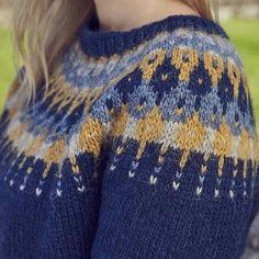 This is Lausavisa, an Icelandic wool sweater pattern that @kariebookish designed in @alafoss lopi colors 0118, 9958, 0086 and 9964 for @knitnow. Available in a very special issue of the Knit Now magazine, Issue 67, which is on sale now in shops across the UK and online in digital edition via the PocketMags app. Check it out and you can of course purchase the yarn online at www.alafoss.is Pattern: Lausavisa Jumper Designed by: @kariebookish Yarn: @alafoss Lopi Repost from @kariebookish ... Icelandic Sweaters, Wool Sweaters, Fair Isle Knitting, Knitting Yarn, Manta Crochet, Knit Crochet, Jumper Designs, Knit Headband Pattern, Stitch Book