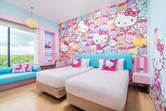 Are you a Hello Kitty fan? If so, you'll love these adorable Hello Kitty bedroom decoration! 25 cute bedroom designs for Hello Kitty fanatics. Hello Kitty Bedroom Set, Hello Kitty Room Decor, Cat Bedroom, Girls Bedroom, Bedroom Images, Bedroom Themes, Bedroom Decor, Bedroom Ideas, Shangri La