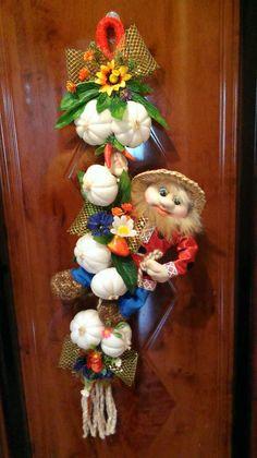 Фотография Black Aesthetic Wallpaper, Aesthetic Wallpapers, Mobiles, Felt Dolls, Flowers Nature, Soft Sculpture, Fall Harvest, Art For Kids, Christmas Wreaths