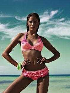 bikiniwolrd, italian beachwear, bikini volant slip, trikini, idee copricostume, outfit da spiaggia , beachwear bikini blogger, negozi specializzati bikini, bikini ricamati a mano, amanda marzolini the fashionamy blog