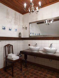"Bathroom in the ""Swans"" - Riverside Manor (Kiermusy, Poland)."