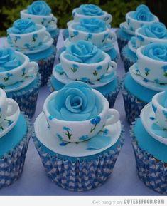 teacup cupcakes.