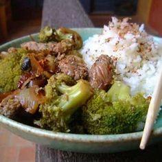 Boeuf sauté aux oignons et au brocoli : 35 recettes chinoises - Journal des Femmes Cuisiner