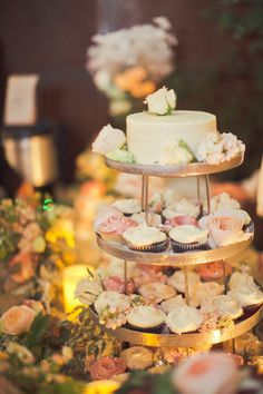 Gorgeous cupcake stand