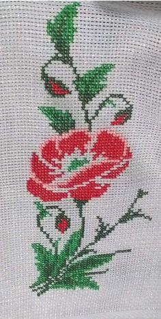 Cross Stitch Art, Cross Stitch Flowers, Cross Stitch Designs, Cross Stitching, Cross Stitch Embroidery, Stitch Patterns, Crochet Basket Pattern, Free Pattern, Floral