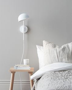 A new classic from Belid has arrived. A wall lamp with three-step dimmer. Applique Led, Led Wall Lamp, Smart Design, Floating Nightstand, Floor Lamp, Master Bedroom, Wall Lights, Inspiration, Furniture