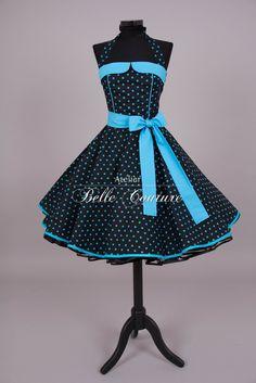 Schönes 50er Jahre Petticoatkleid   Modell: M17-15  Das Petticoatkleid wird aus einem angenehmen Baumwollstoff in schwarz mit türkisfarbenen Punkten gefertigt. Der gerade Ausschnitt und der...