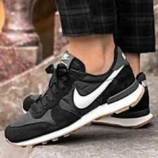 071b3c09beb How many people can go back 30 years and remember the mark of Nike? Well