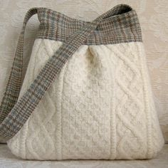 Ivory Cable Knit and Plaid BELLA Purse Upcycled by FeltSewGood - great way to use old sweaters! Pullover Upcycling, Sewing Crafts, Sewing Projects, Knitting Projects, Alter Pullover, Diy Sac, Recycled Sweaters, Old Sweater, Fabric Bags