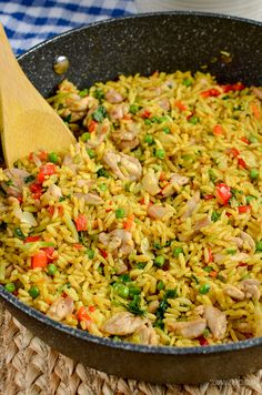 Low Syn Coconut Chicken Curry Rice - Slimming World recipes - Slimming Eats - Delicious Low Syn Coconut Chicken Curry Rice an all in one family-friendly meal that is packed with - Slimming World Chicken Recipes, New Chicken Recipes, Slimming Recipes, Chicken Meals, Healthy Cooking, Healthy Eating, Cooking Recipes, Healthy Recipes, Dairy Free Rice Recipes