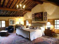 Villa Michaela - Reminds me so much of JPL's old room on Miller Dr.