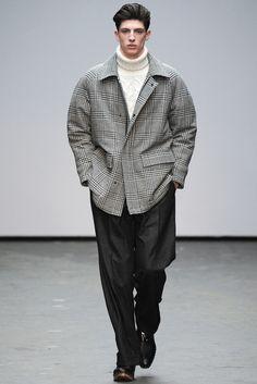 glen wales; raglan sleeves | E. Tautz - Fall 2015 Menswear - Look 19 of 29