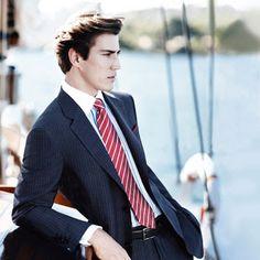 Get the look - Red tie