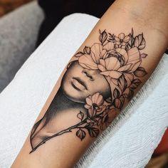 Künstler: Cameron Pohl – – Tattoo ideen – Tattoos And Body Art floral tattoo designs Floral Tattoo Design, Flower Tattoo Designs, Tattoo Designs For Women, Flower Tattoos, Henna Designs, Unique Women Tattoos, Tattoo Floral, Sexy Tattoos, Body Art Tattoos