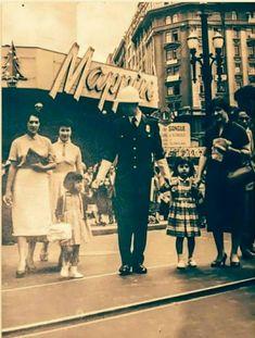 Década de 1950 - Rua Xavier de Toledo próximo ao Mappin na praça Ramos de Azevedo.